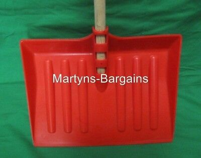10 Strong Plastic Snow Shovels With Wooden Handle. Snow Scoop 410mm Wide • 39.99£
