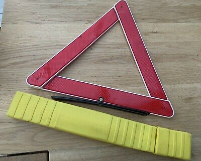 Emergency Warning Triangle - Collapsible & With Storage Case • 2.99£
