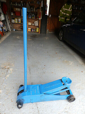 Car And Lorry Jack. • 35£