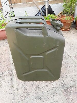 Green Metal Fuel Container 20 Litres • 4.80£