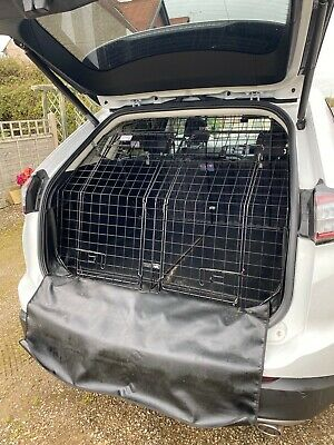Barjo Dog Guard With Divider And Two Door Tailgate • 250£