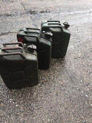 3 Jerry Cans Used • 10£