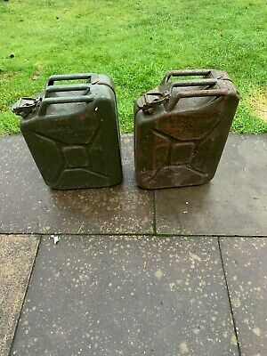 Pair Of 20 Litre Green Jerry / Fuel Cans • 10£